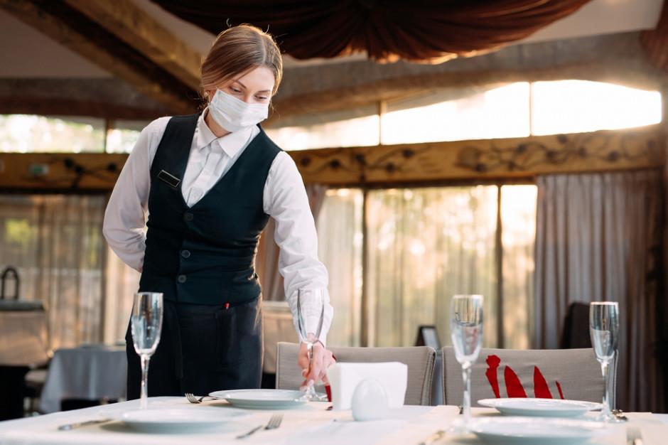 W Nowym Jorku do restauracji i innych placówek tylko z dowodem szczepienia