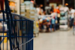 Kaufland podlicza średni staż pracy swoich pracowników