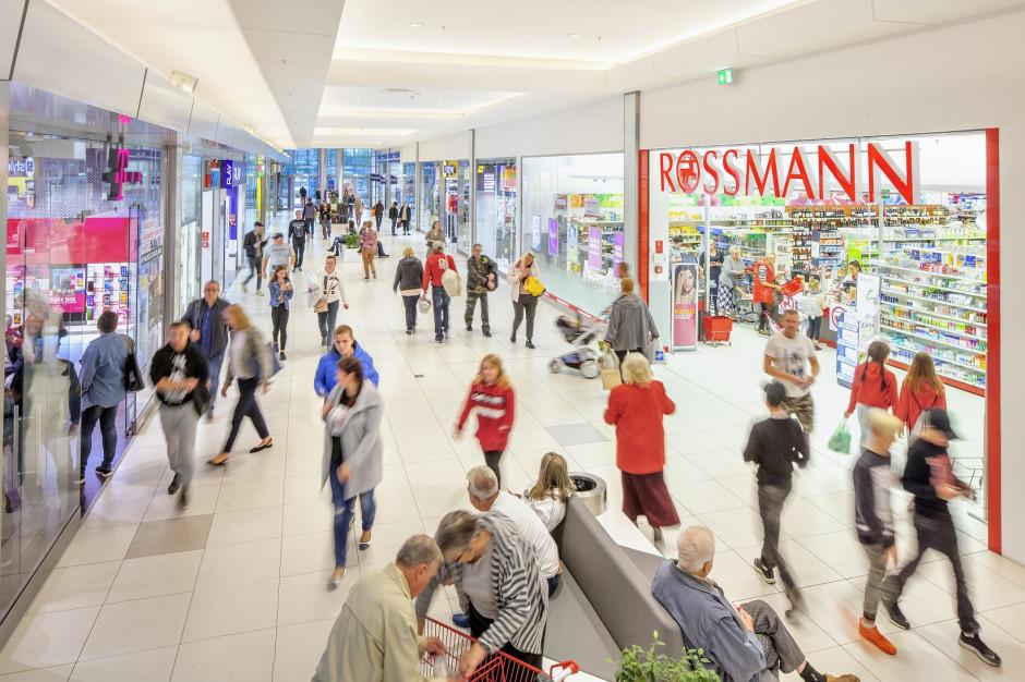 Klienci centrów handlowych wydają więcej. Newbridge podaje dane