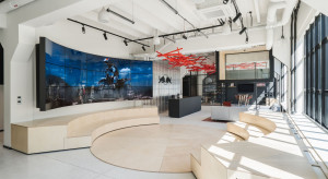 Cross working w nowoczesnym wydaniu. Biuro Red Bull spod kreski MXCF Architekci