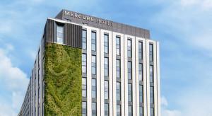 Na ponad tysiąc certyfikowanych budynków tylko 17 to hotele. Ale idzie zmiana