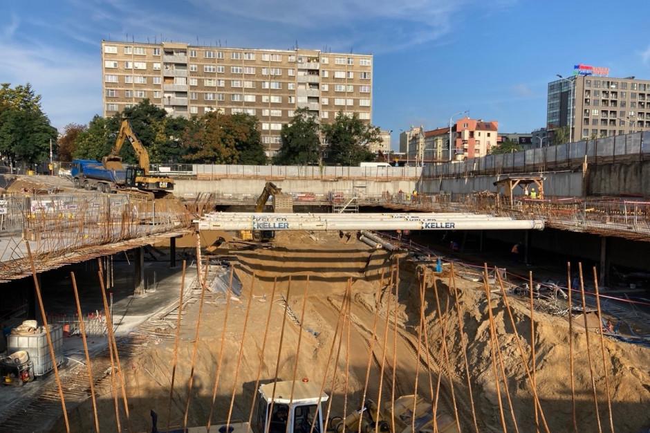Zaglądamy na plac budowy biurowca Infinity we Wrocławiu