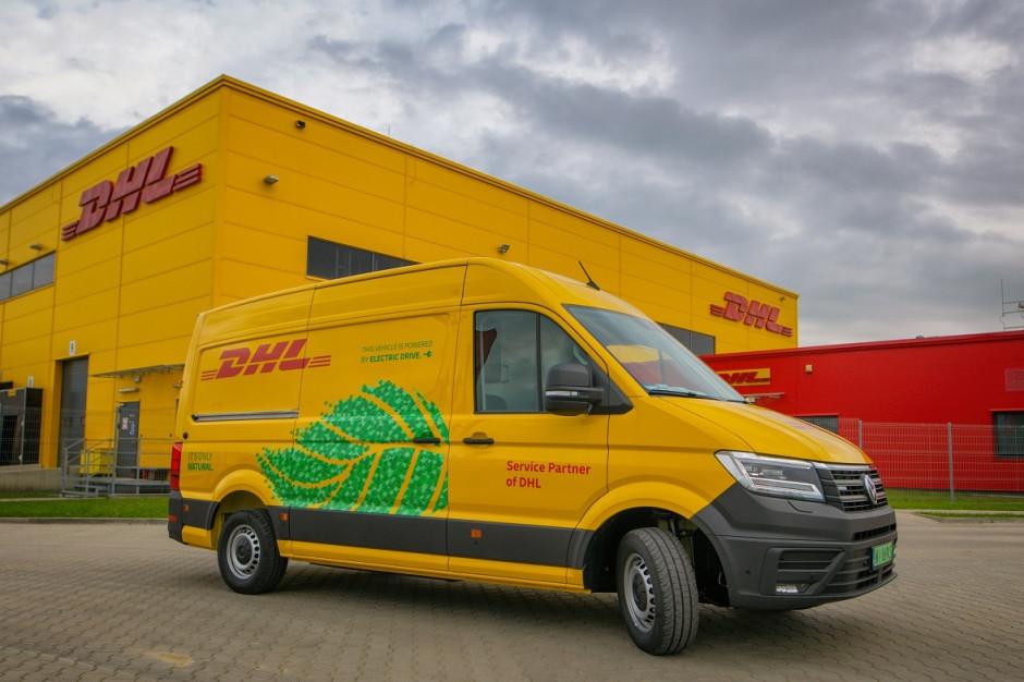 """DHL Express wymienia flotę samochodów na """"elektryki"""""""
