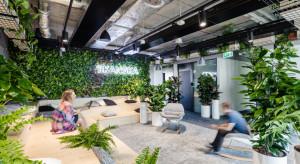 Home office, a może na miejscu? Jak pracuje się dziś w biurze Skanska i jakie zmiany szykuje firma