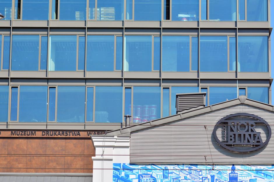 BeeCreative czy City Office? Który coworking wprowadzi się do Fabryki Norblina?