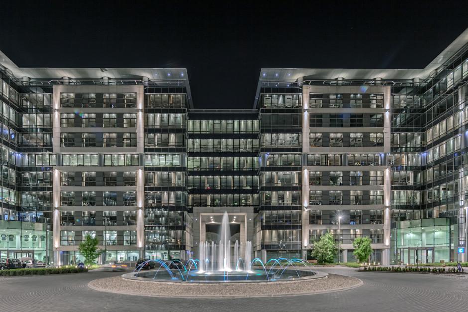 Z Empark Mokotów Business Park do biurowca Marynarska Business Park